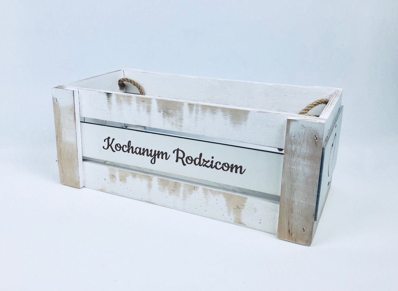 """Skrzynka drewniana z napisem """"Kochanym Rodzicom"""" / 35x16x14 cm"""