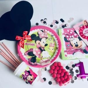 Nakrycia stołu na urodziny dziewczynki