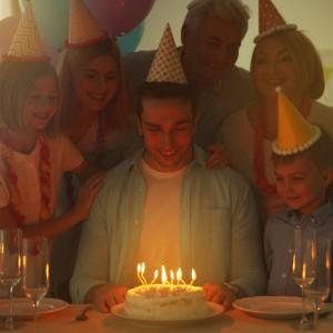 Zaproszenia na urodziny dorosłych, kartki, balony, prezenty