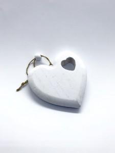Serca wiszące białe