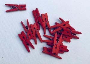 Klamerki dekoracyjne drewniane - Klamerki drewnianie, czerwone, małe